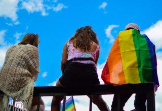 Discrimen por sexo o identidad de género