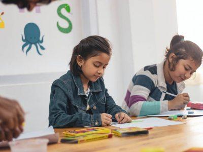 El derecho a la educación en la niñez: Una mirada desde el trabajo social